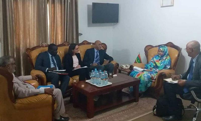 La ministre de l'agriculture s'entretient avec le directeur de l'Agence Française de Développement