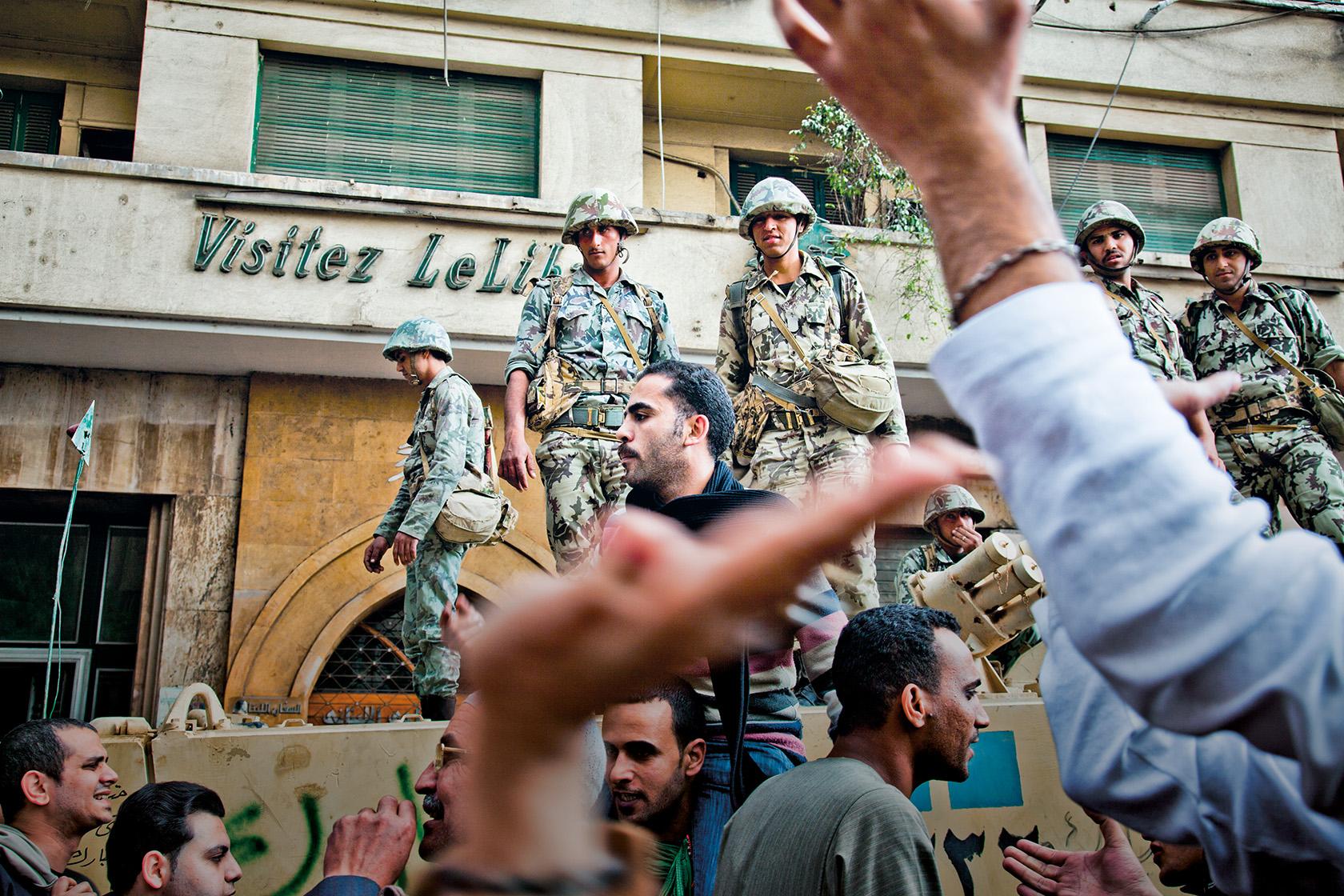 Répression en Egypte : Paris affirme ne vendre des armes qu'à l'armée