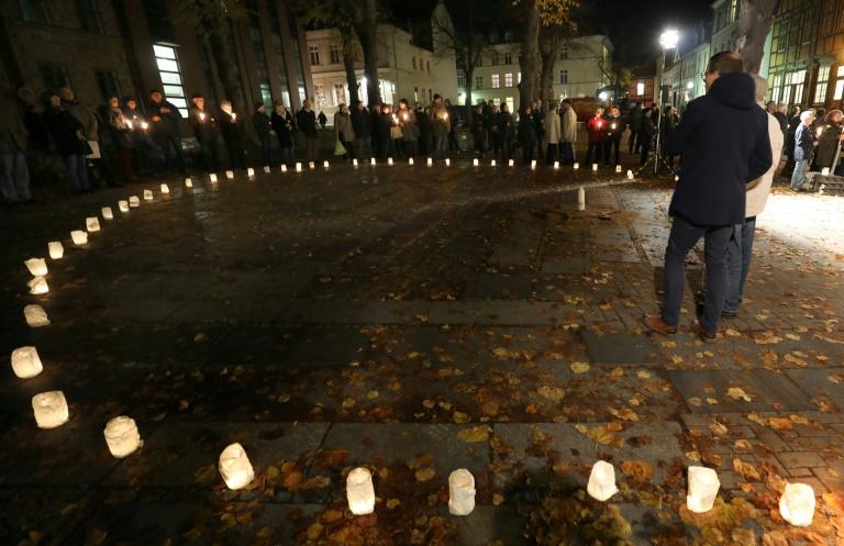 """L'Allemagne commémore la """"Nuit de cristal"""" et craint un regain d'antisémitisme"""