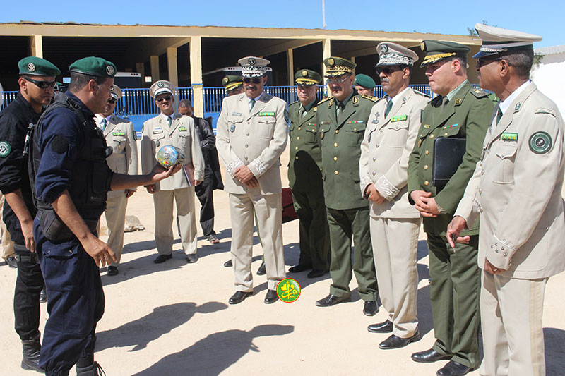Le Chef d'Etat-major de la gendarmerie nationale tient une réunion avec son homologue algérien