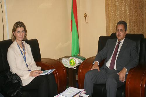 Le commissaire aux droits de l'homme s'entretient avec la chef de mission de l'OIM