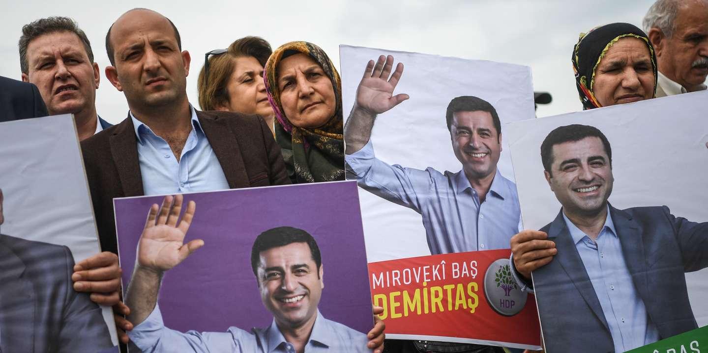 """Turquie: l'UE espère que l'opposant kurde Demirtas sera """"bientôt"""" libéré"""