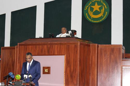 Le Premier ministre présente devant l'Assemblée Nationale la déclaration annuelle sur l'activité du gouvernement au cours de l'année écoulée et son prochain programme