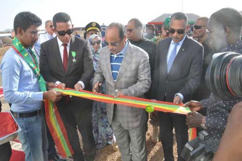 Le Président de la République supervise l'inauguration de la centrale électrique hybride de Néma