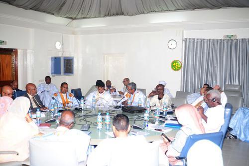 La commission des finances de l'Assemblée nationale examine le budget du ministère de la Fonction publique