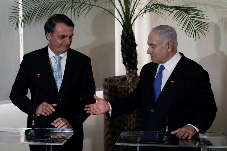 """Bolsonaro et Netanyahu saluent une nouvelle """"fraternité"""" entre le Brésil et Israël"""