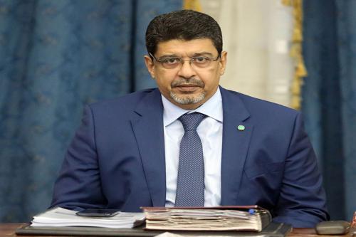 Le ministre de la culture représente le Président de la République à la clôture du Festival du Roi Selman Ben Abdel Aziz de course cameline