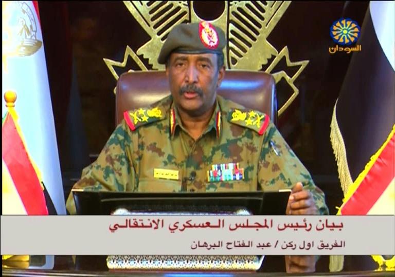 Soudan: le nouvel homme fort promet la rupture avec le régime Béchir