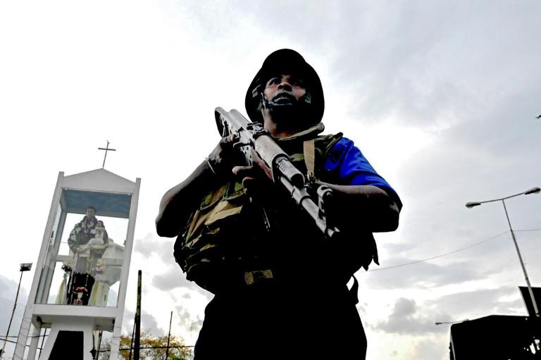 le Sri Lanka décrète l'état d'urgence et traque les islamistes responsables