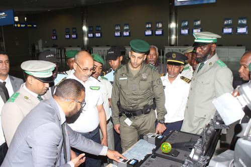 Remise des équipements de détection des produits radioactifs aux autorités sécuritaires des frontières