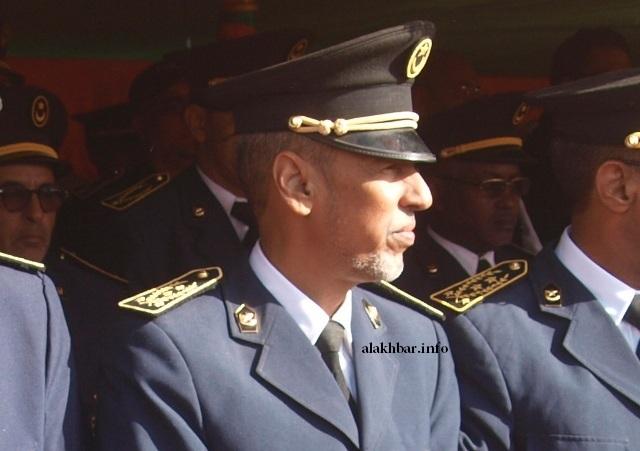 Un commissaire prend des avocats contre le ministre de l'intérieur