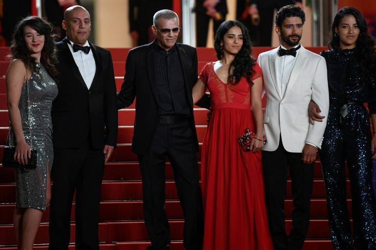 Scandale et malaise à Cannes autour du film de Kechiche, qui se défend