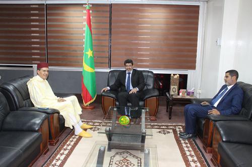 Le ministre de la Culture et de l'Artisanat reçoit l'ambassadeur marocain