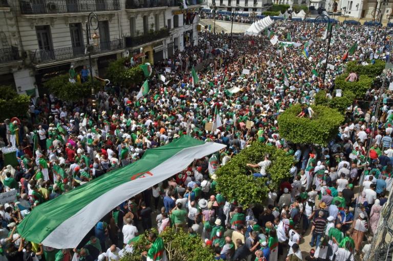 Algérie: 1er vendredi de manifestations depuis l'annulation de la présidentielle