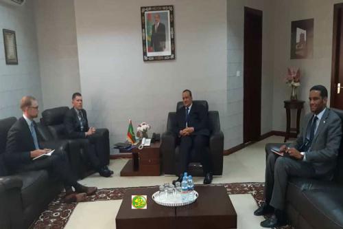 Le ministre des affaires étrangères reçoit l'ambassadeur des USA