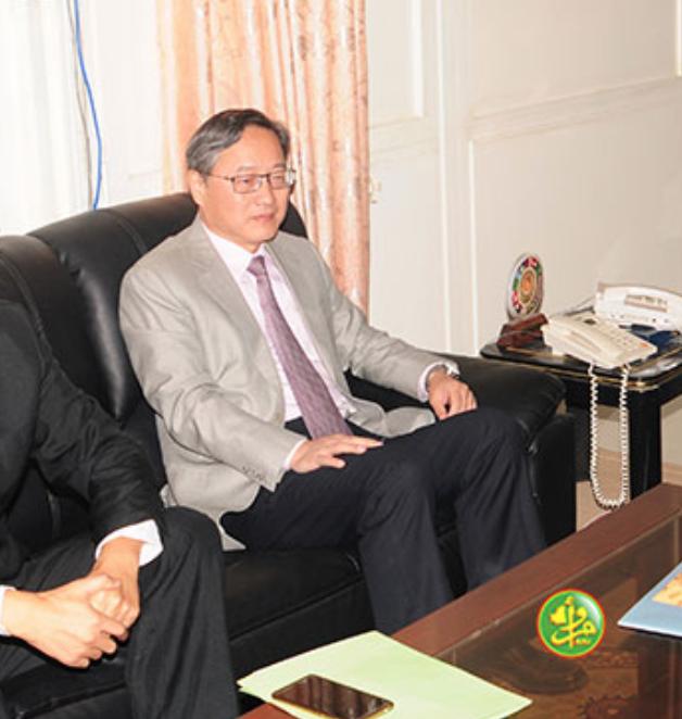 Le ministre des affaires étrangères reçoit l'ambassadeur de la République Populaire de Chine