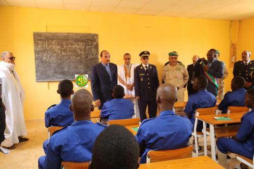 Le Président de la République visite le centre de formation professionnelle de l'armée nationale à Rosso