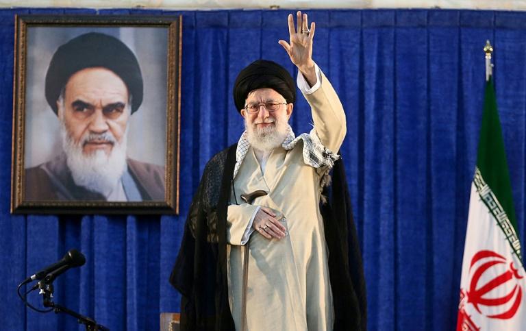 """Téhéran accuse Washington d'avoir coupé """"la voie de la diplomatie"""""""