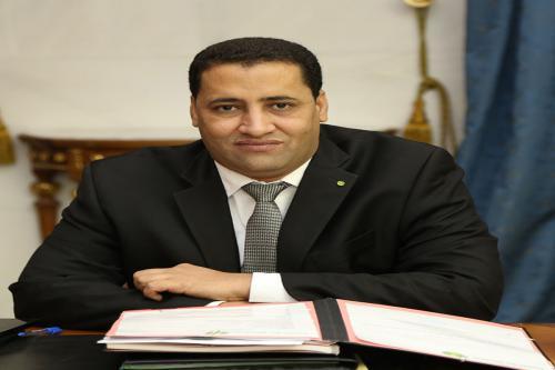 Le Ministre de l'économie et des finances se rend à Paris