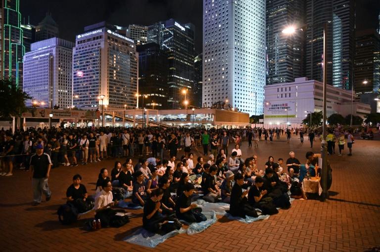 "Hong Kong: une gare ""chinoise"", prochaine cible des manifestants"