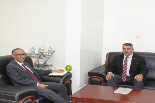 Le ministre délégué chargé du budget reçoit le chef de la mission diplomatique Iraquienne en Mauritanie