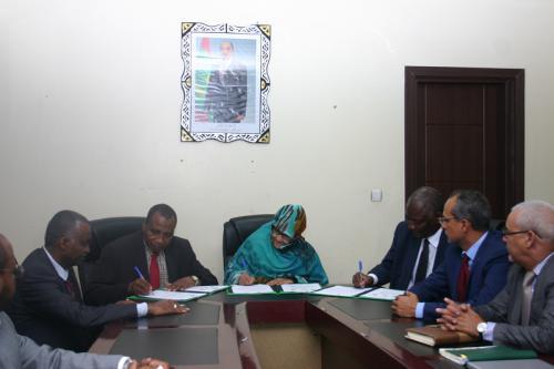 Signature d'un protocole annexe de l'accord portant construction des unités d'industrie laitière