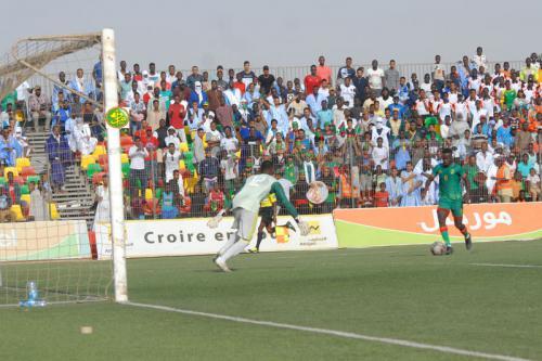 L'équipe nationale de football se qualifie pour le deuxième tour des éliminatoires de la coupe d'Afrique des locaux
