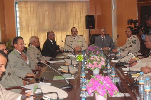 Le ministre de la défense visite l'état- major de la gendarmerie nationale