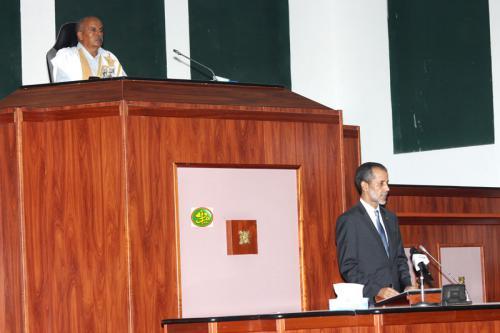 Le Premier ministre présente devant le Parlement le programme du Gouvernement