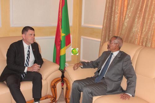 Le ministre de la Défense nationale reçoit l'ambassadeur américain en Mauritanie
