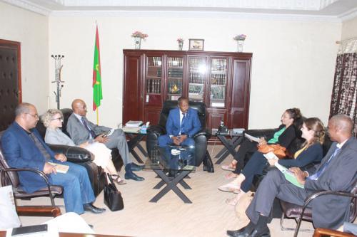 Le ministre de la Justice s'entretient avec une délégation de l'Agence française de développement