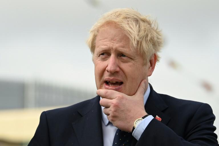 """Brexit : malgré une défaite judiciaire historique, Johnson veut """"aller de l'avant"""""""