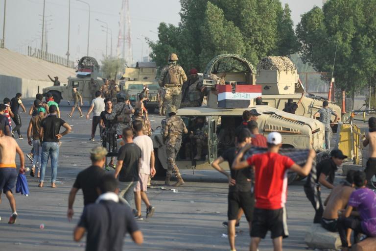 Irak: les forces de sécurité tirent sur des dizaines de manifestants à Bagdad