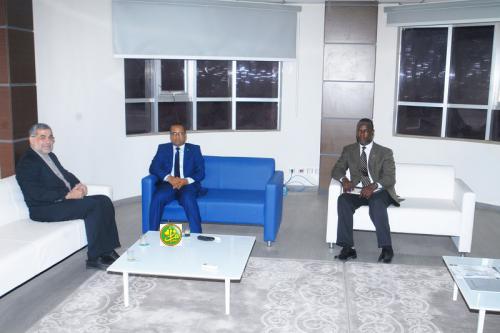Le ministre de l'équipement s'entretient avec l'ambassadeur d'Iran
