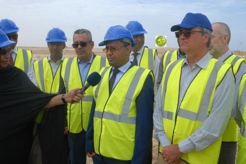 Le ministre de l'équipement s'informe de l'état d'avancement des travaux de la route Nouakchott-Rosso
