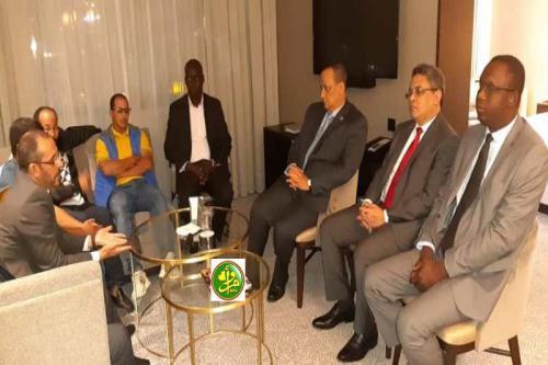 Le ministre des Affaires étrangères rencontre les représentants de la colonie mauritanienne en Espagne