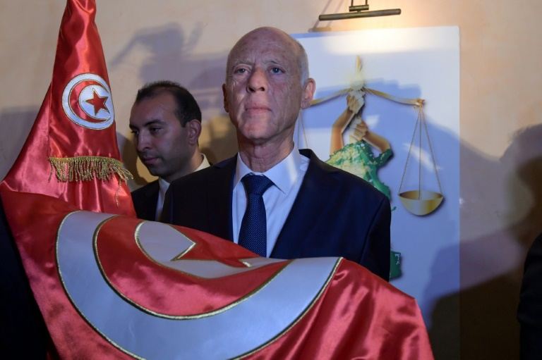 Tunisie: large victoire annoncée pour le juriste Kais Saied