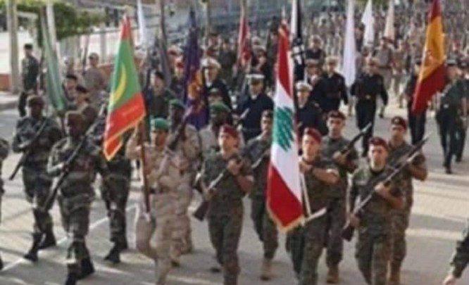 Une unité de l'armée mauritanienne présente dans un défilé militaire espagnol