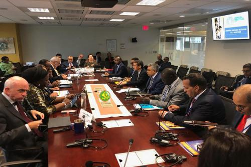 La délégation mauritanienne tient une réunion de travail avec le vice-président de la Banque mondiale à Washington