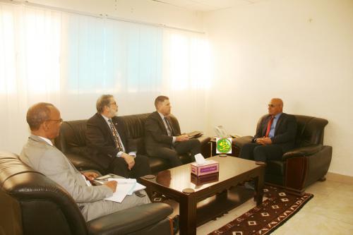 Le ministre des Pêches s'entretient avec l'ambassadeur des États Unis d'Amérique