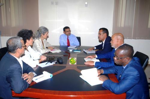 Le ministre de la santé s'entretient avec la représentante du HCR