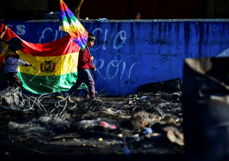 """Bolivie: après la mort de neuf paysans, l'""""humiliation"""" cède à la colère"""