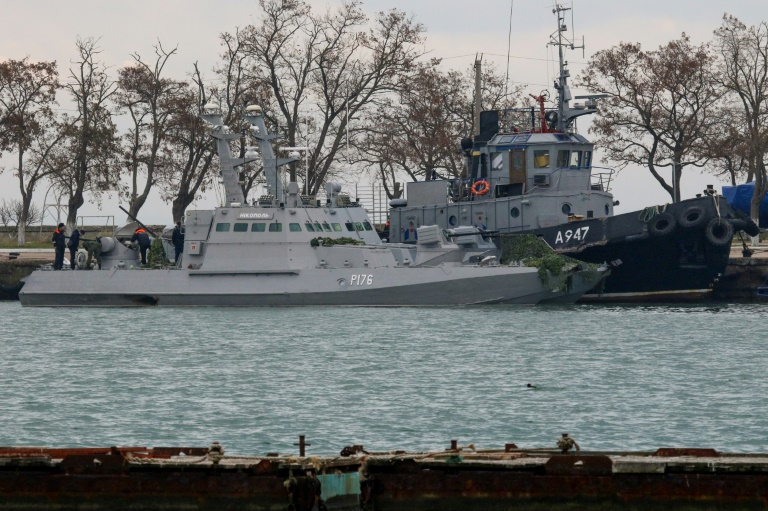 La Russie restitue à l'Ukraine des navires militaires avant un sommet sur le conflit