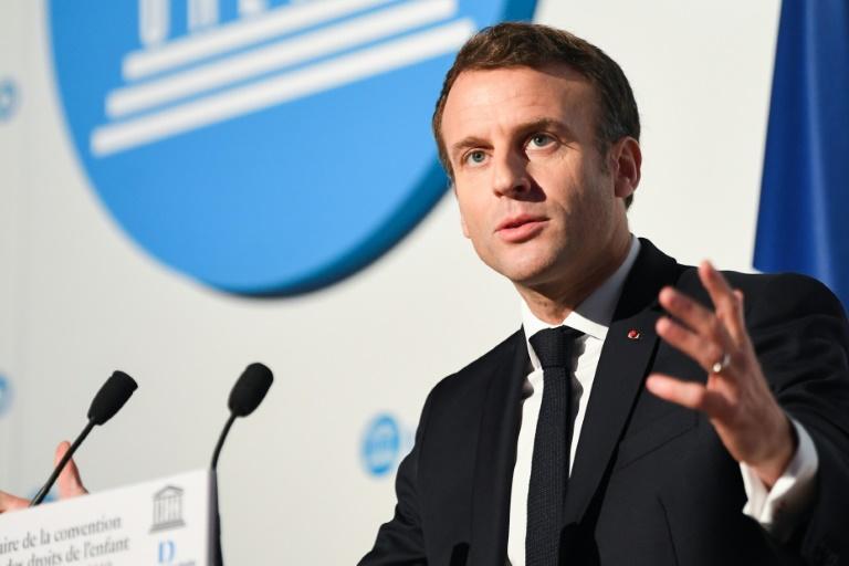 Pédopornographie sur Internet: Macron annonce des sanctions renforcées pour la consultation d'images