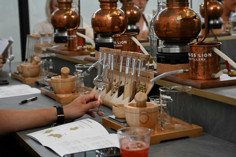 A Singapour, des apprentis alchimistes à l'école du gin
