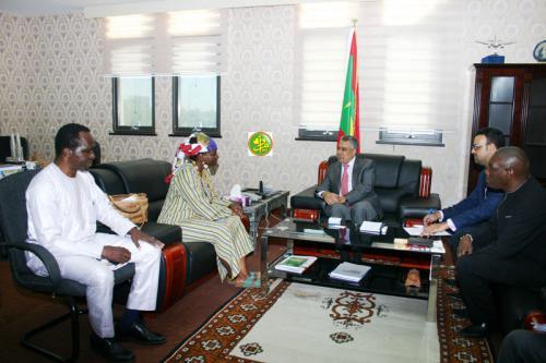 Le ministre de l'économie reçoit le Représentant résident de l'UNFPA