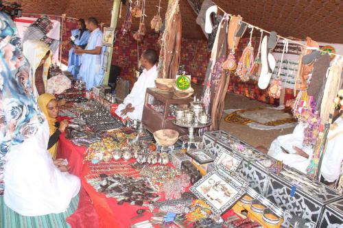 Le ministre de la Culture supervise à Akjoujt le lancement d'une exposition culturelle et artistique