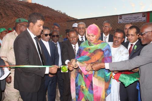 La ministre de l'Hydraulique supervise l'inauguration de l'extension du réseau d'eau de la ville d'Akjoujt