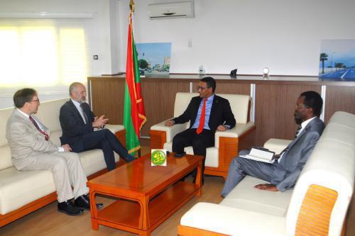 Le ministre du Pétrole et de l'Énergie reçoit l'ambassadeur du Royaume-Uni