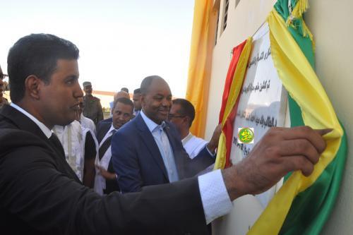 Le ministre de l'Emploi inaugure un stade de foot ball à Akjoujt